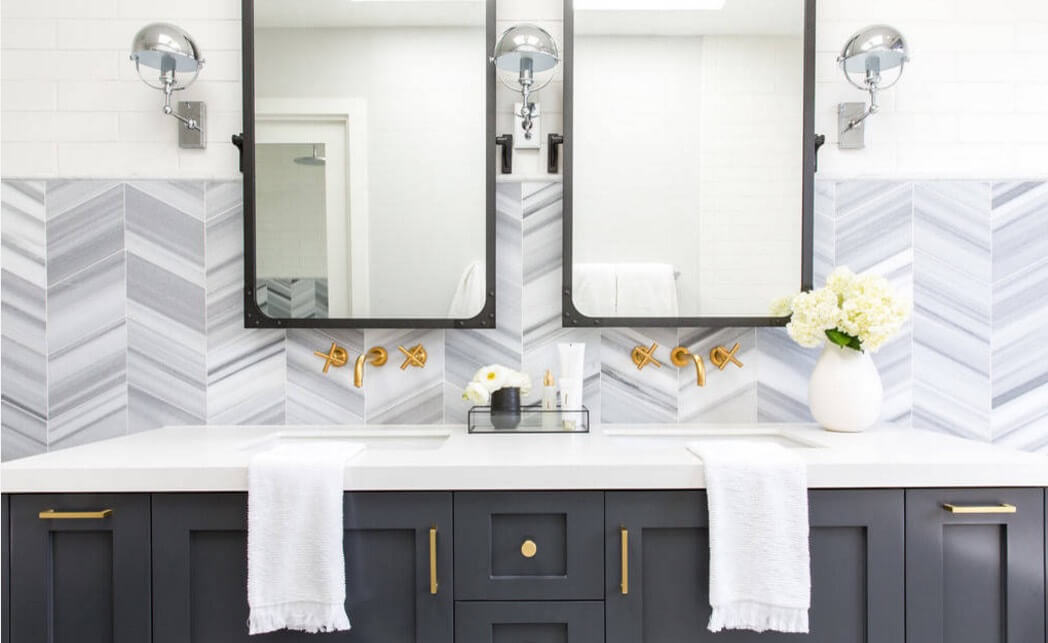 Mixed metals trends for bathrooms