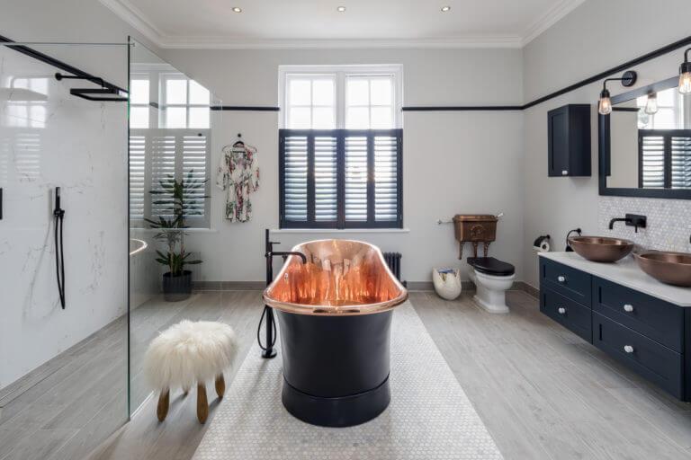 Bathroom Eleven - Elegant Black and Copper ensuite Bathroom in Surbiton