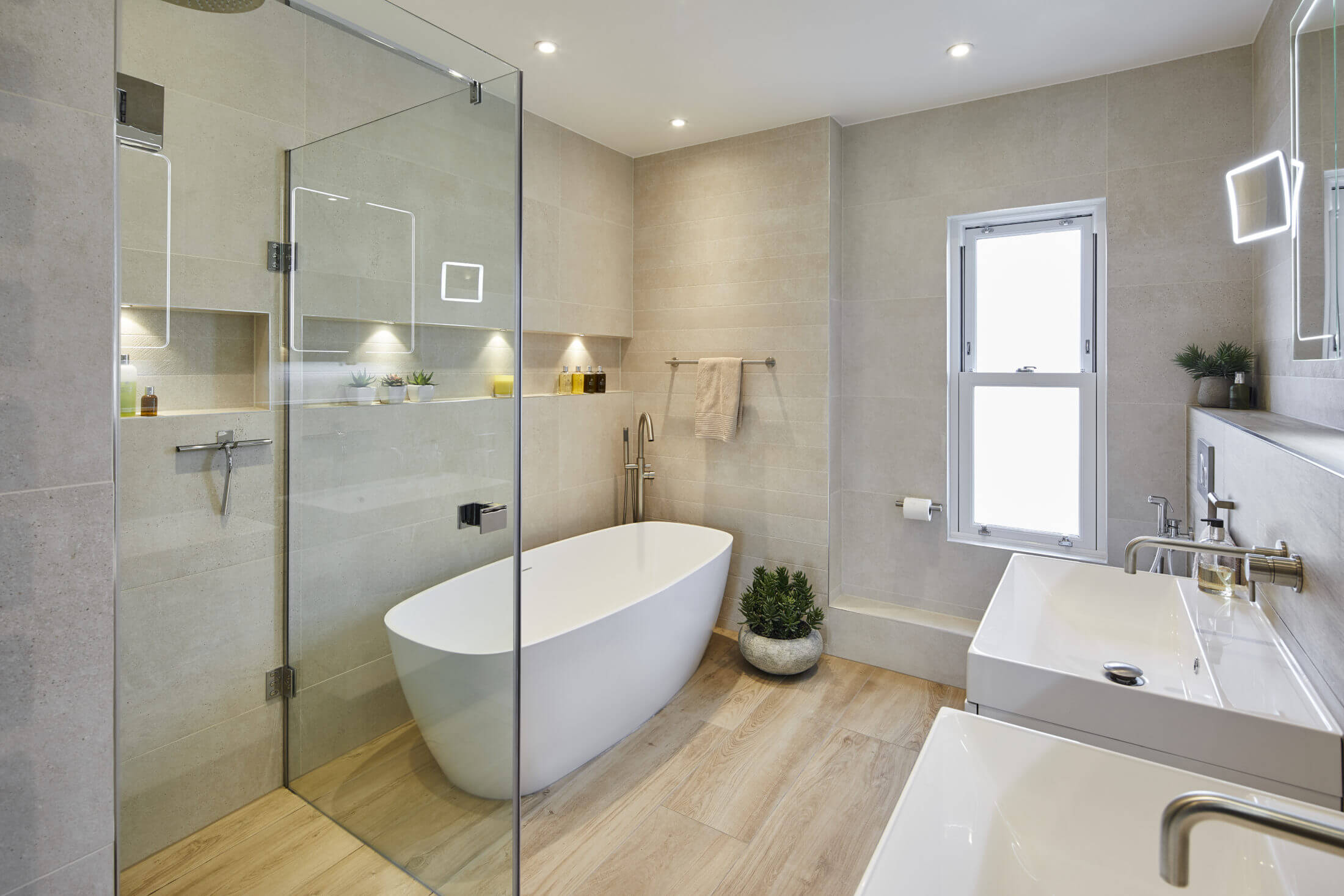 Ensuite in Thames Ditton