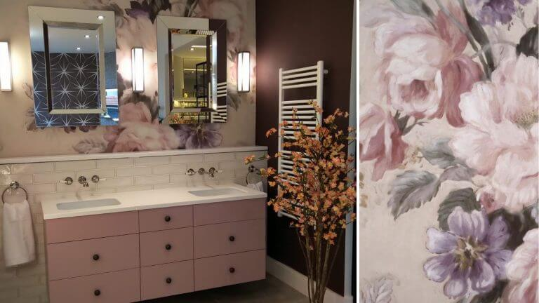 Bathroom Eleven - Display with wallpaper
